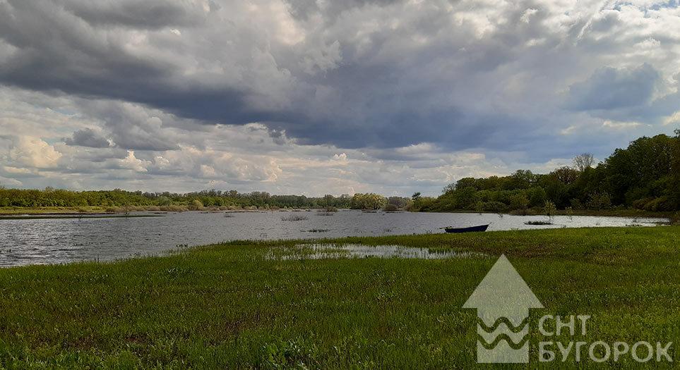 Заливные луга за Круглым озером о.Рождественский