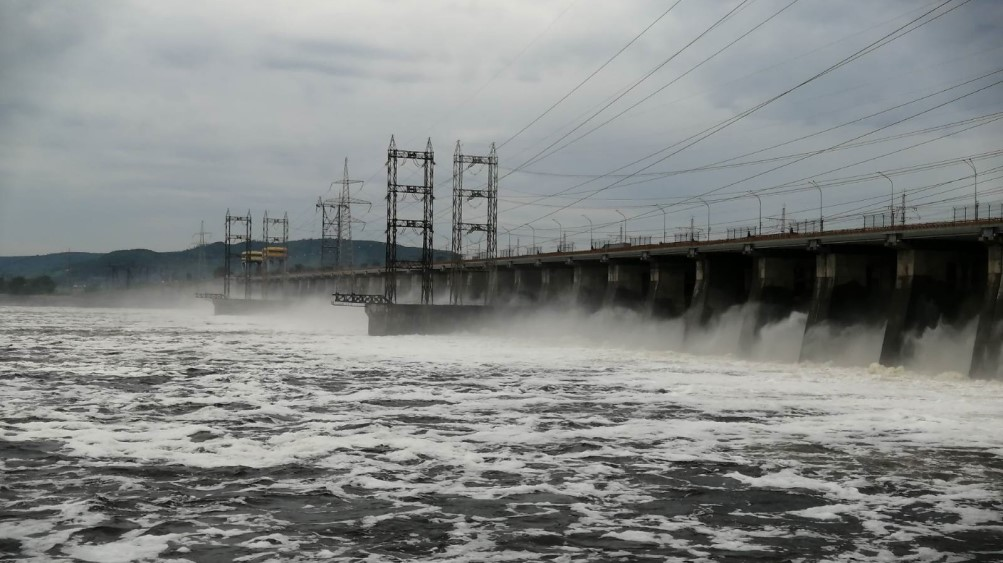 Сброс воды на Жигулевской ГЭС